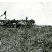 1941 Kendall's threshing crew at Earl Thompson's farm