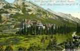 Banff Springs Hotel and Mount Rundle, Banff, Alba, Canada. On Line of C.P.R.