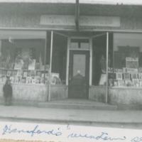 1943 Haneford's Window Service Men