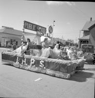 [Indian Head Public School float]